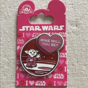 Disney Pin Yoda Valentine Mine Will You Be?